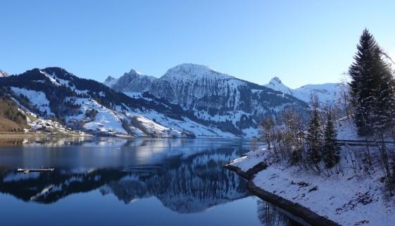 Schneeschuhtour über dem Wägitalersee